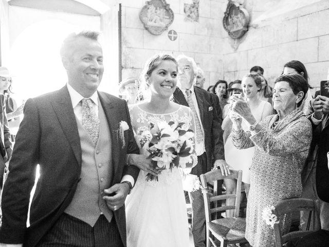 Le mariage de Mathieu et Sixtine à Chalais, Charente 15