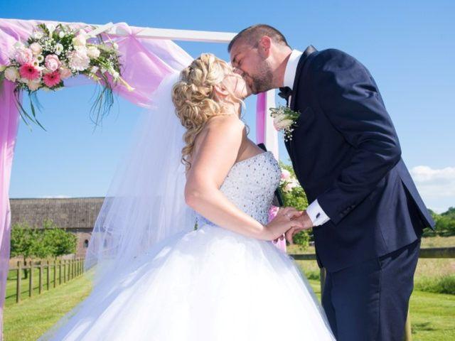 Le mariage de Matthieu et Charlène à Oissel, Seine-Maritime 22