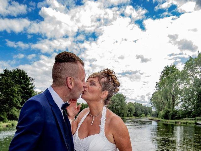 Le mariage de Christophe et Sophie à Banteux, Nord 14