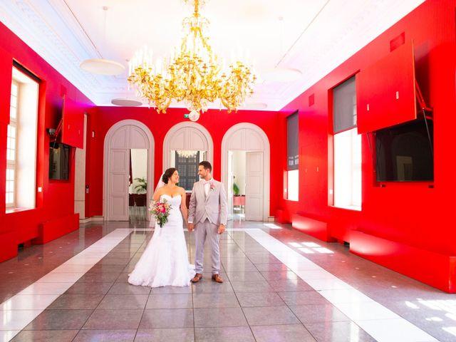 Le mariage de Daniele et Lale à Nîmes, Gard 1