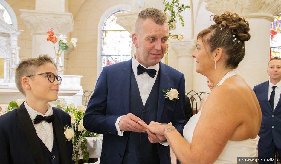 Le mariage de Christophe et Sophie à Banteux, Nord