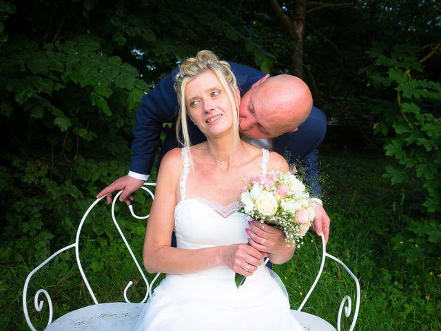 Le mariage de Ludovic et Stephanie à Autheuil, Eure-et-Loir 13