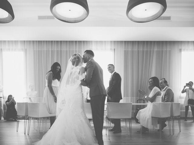 Le mariage de Loic et Kahina à Vitrolles, Bouches-du-Rhône 17