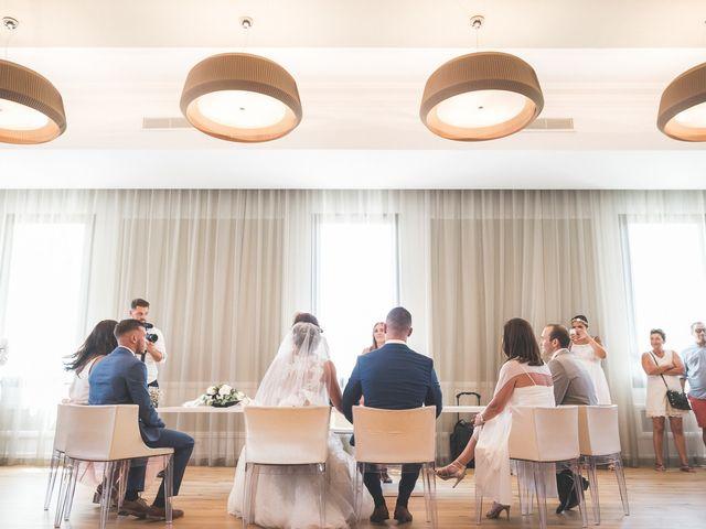 Le mariage de Loic et Kahina à Vitrolles, Bouches-du-Rhône 18