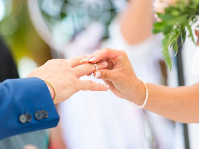 Le mariage de Loic et Kahina à Vitrolles, Bouches-du-Rhône 30