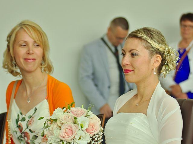 Le mariage de Bécherqui et Laura à L'Horme, Loire 13