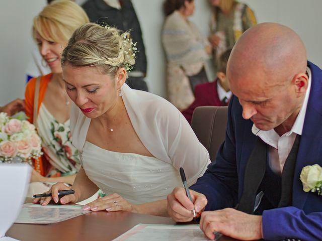 Le mariage de Bécherqui et Laura à L'Horme, Loire 16