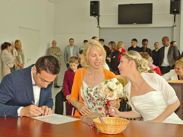Le mariage de Bécherqui et Laura à L'Horme, Loire 17