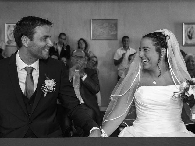 Le mariage de Julien et Sandra à Lyon, Rhône 33