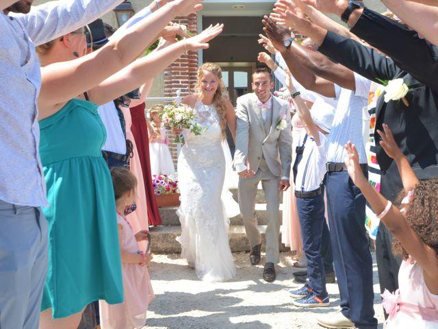 Le mariage de Nicolas et Aurore à Marigny-le-Châtel, Aube 15