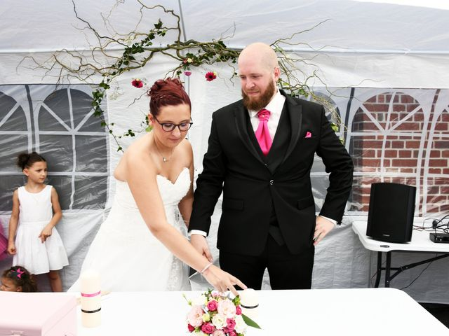 Le mariage de Arnaud et Noémie à Noordpeene, Nord 10