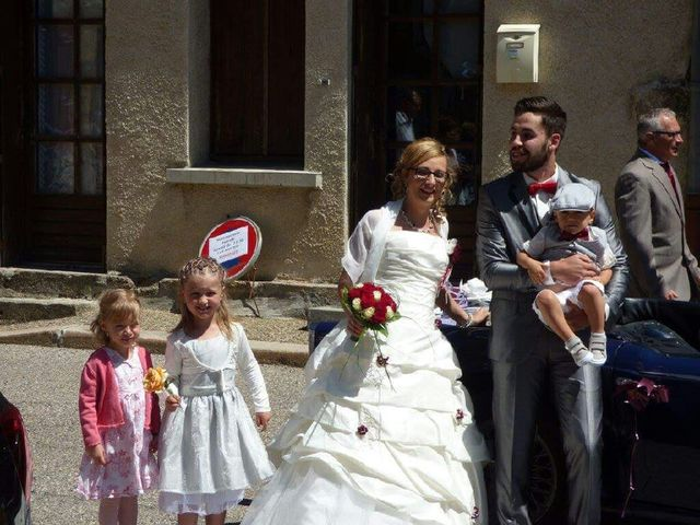 Le mariage de Nicolas et Delphine à Saint-Bonnet-le-Château, Loire 2