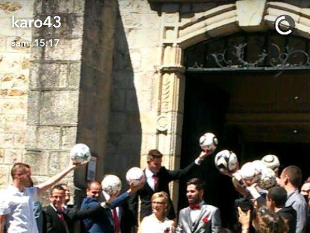 Le mariage de Nicolas et Delphine à Saint-Bonnet-le-Château, Loire 8
