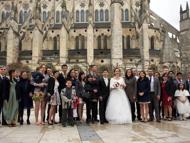 Le mariage de Nhan et Pauline à Bourges, Cher 10
