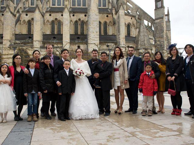 Le mariage de Nhan et Pauline à Bourges, Cher 11