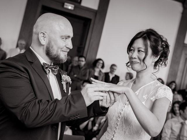 Le mariage de Olivier et Kimchi à Feurs, Loire 10