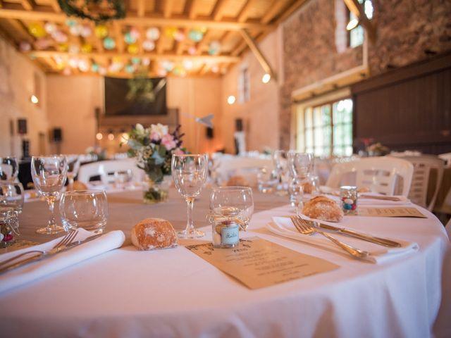 Le mariage de Olivier et Kimchi à Feurs, Loire 16