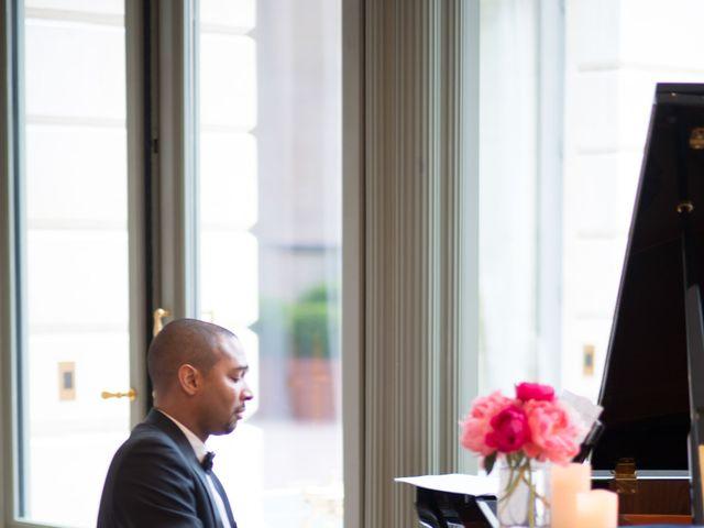 Le mariage de John et Lauren à Paris, Paris 11