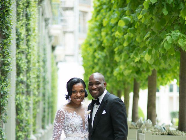 Le mariage de John et Lauren à Paris, Paris 19