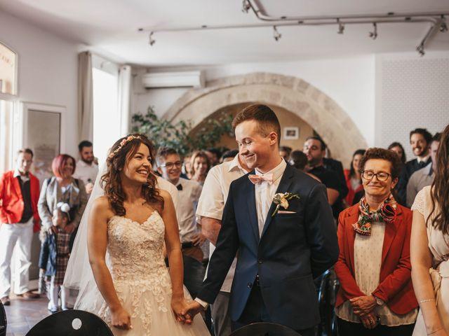 Le mariage de Nicolas et Kelly à Grambois, Vaucluse 29