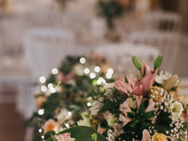 Le mariage de Nicolas et Kelly à Grambois, Vaucluse 37
