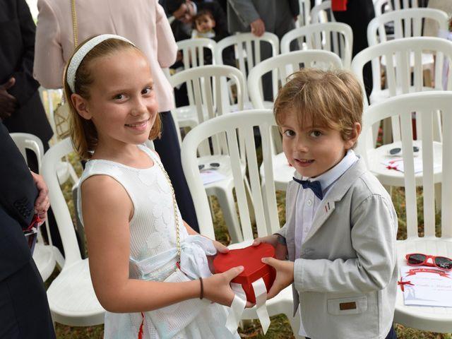 Le mariage de Thibault et Émilie à Porte-Joie, Eure 30