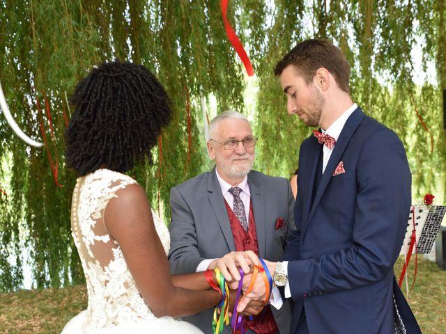 Le mariage de Thibault et Émilie à Porte-Joie, Eure 41