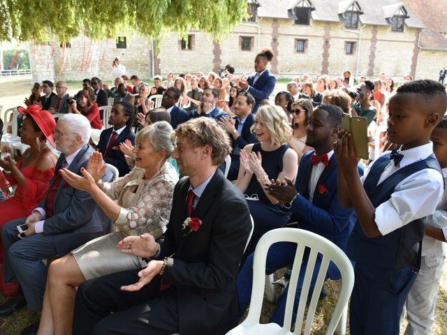 Le mariage de Thibault et Émilie à Porte-Joie, Eure 45