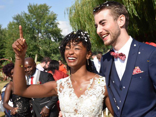 Le mariage de Thibault et Émilie à Porte-Joie, Eure 2