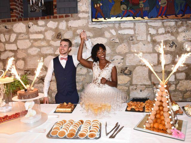 Le mariage de Thibault et Émilie à Porte-Joie, Eure 75