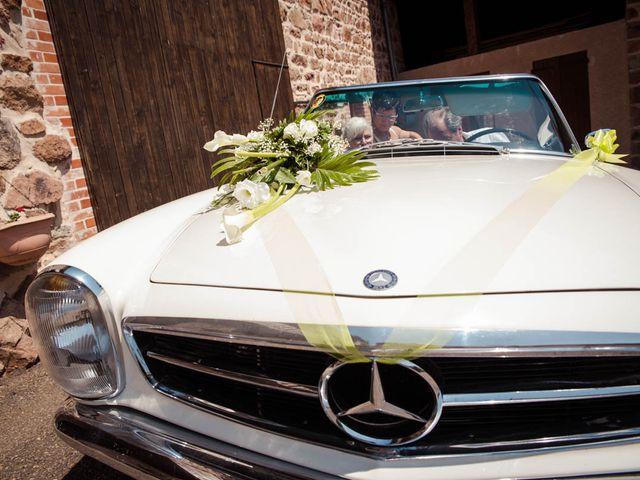 Le mariage de Alexandre et Amélie à Montrond-les-Bains, Loire 5