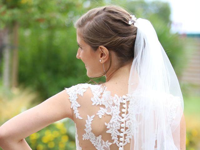 Le mariage de Cédric et Amandine à Saint-Denis-de l'Hôtel, Loiret 10