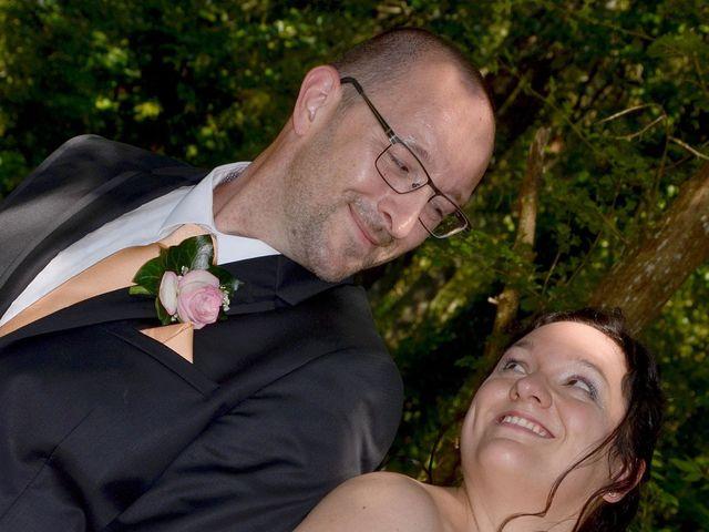 Le mariage de William et Claire à Saint-Ciers-d'Abzac, Gironde 18