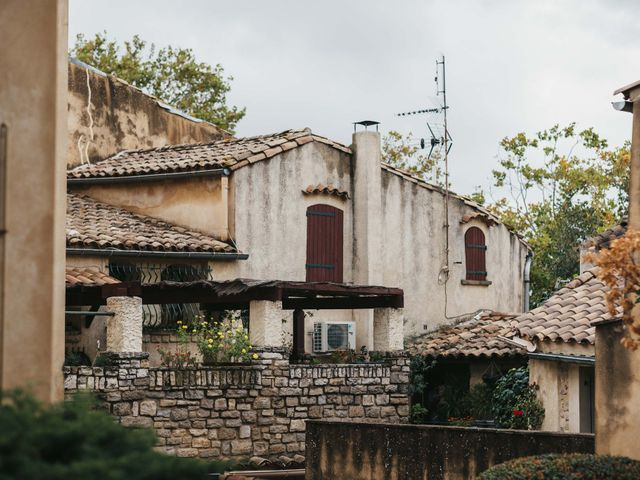 Le mariage de Alexandre et Magali à Rochefort-du-Gard, Gard 33