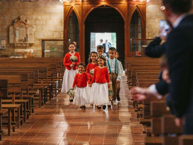 Le mariage de Alexandre et Magali à Rochefort-du-Gard, Gard 69