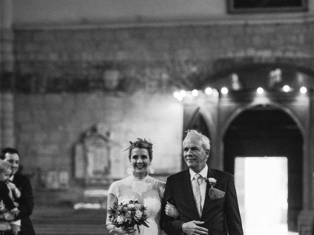 Le mariage de Alexandre et Magali à Rochefort-du-Gard, Gard 71
