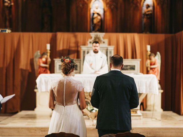 Le mariage de Alexandre et Magali à Rochefort-du-Gard, Gard 77