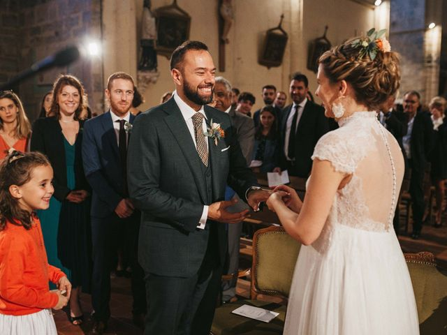 Le mariage de Alexandre et Magali à Rochefort-du-Gard, Gard 89