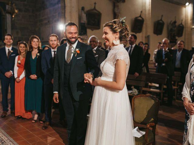 Le mariage de Alexandre et Magali à Rochefort-du-Gard, Gard 91