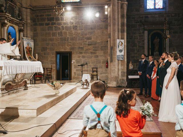 Le mariage de Alexandre et Magali à Rochefort-du-Gard, Gard 92