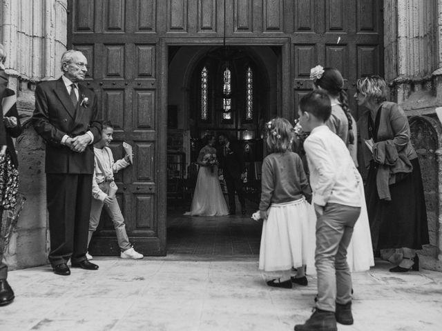 Le mariage de Alexandre et Magali à Rochefort-du-Gard, Gard 99
