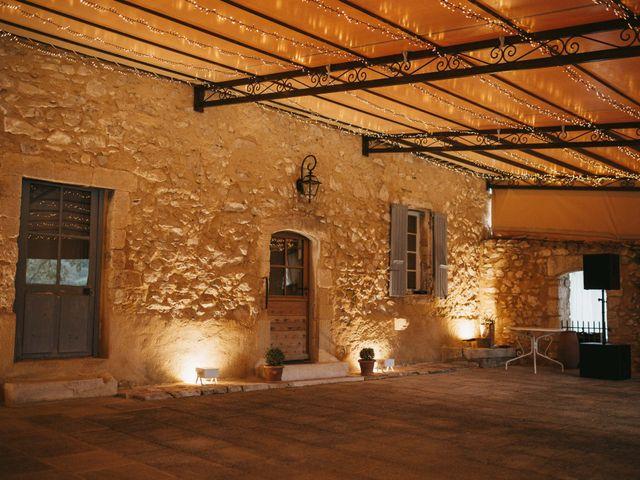 Le mariage de Alexandre et Magali à Rochefort-du-Gard, Gard 142