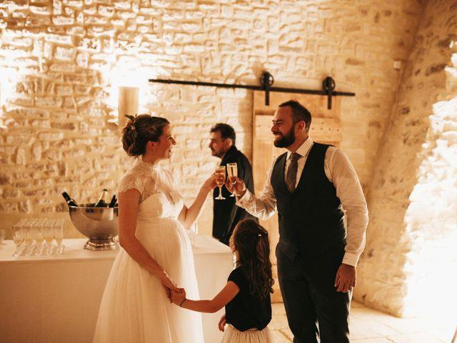Le mariage de Alexandre et Magali à Rochefort-du-Gard, Gard 179