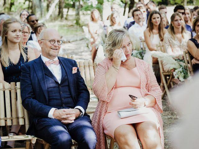Le mariage de Stefan et Amandine à Saint-Julien-en-Born, Landes 18