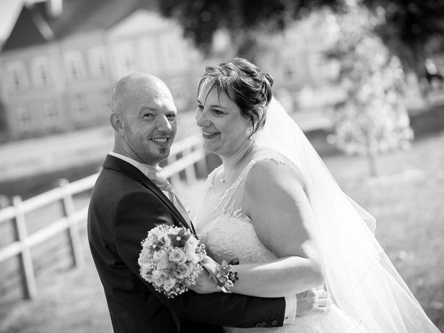 Le mariage de Thomas et Sophie à Craon, Mayenne 23