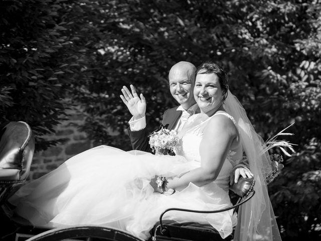 Le mariage de Thomas et Sophie à Craon, Mayenne 30