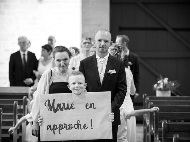 Le mariage de Thomas et Sophie à Craon, Mayenne 32