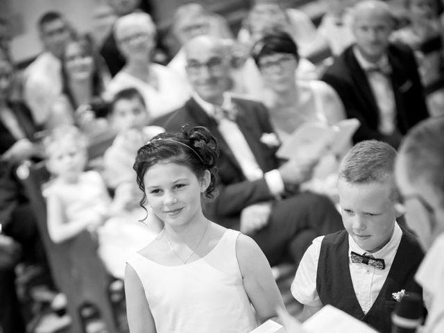 Le mariage de Thomas et Sophie à Craon, Mayenne 40