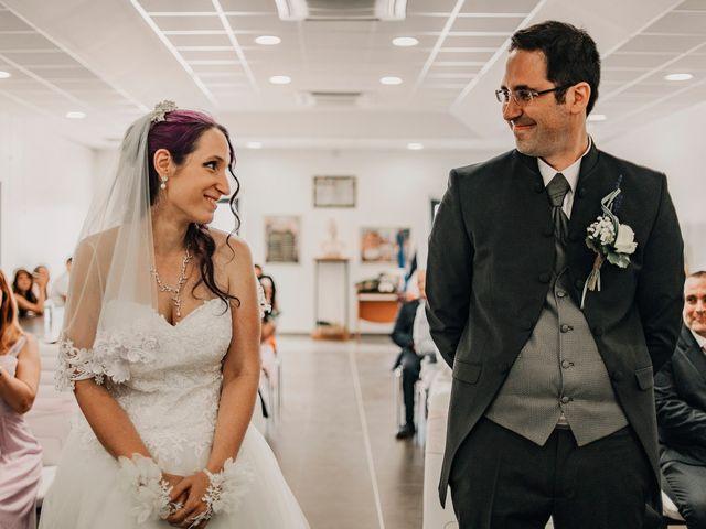 Le mariage de Damien et Beverly à Rousson, Gard 4