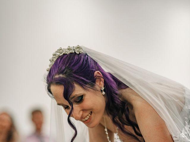 Le mariage de Damien et Beverly à Rousson, Gard 8